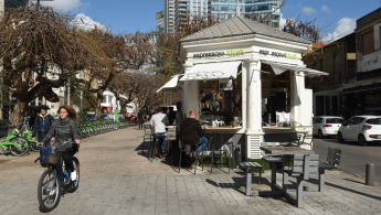 Reconstruction of Tel Aviv's First Kiosk