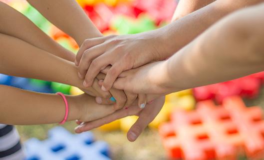 תמיכה בהתגיסות קהילתית למען ילדים בסיכון
